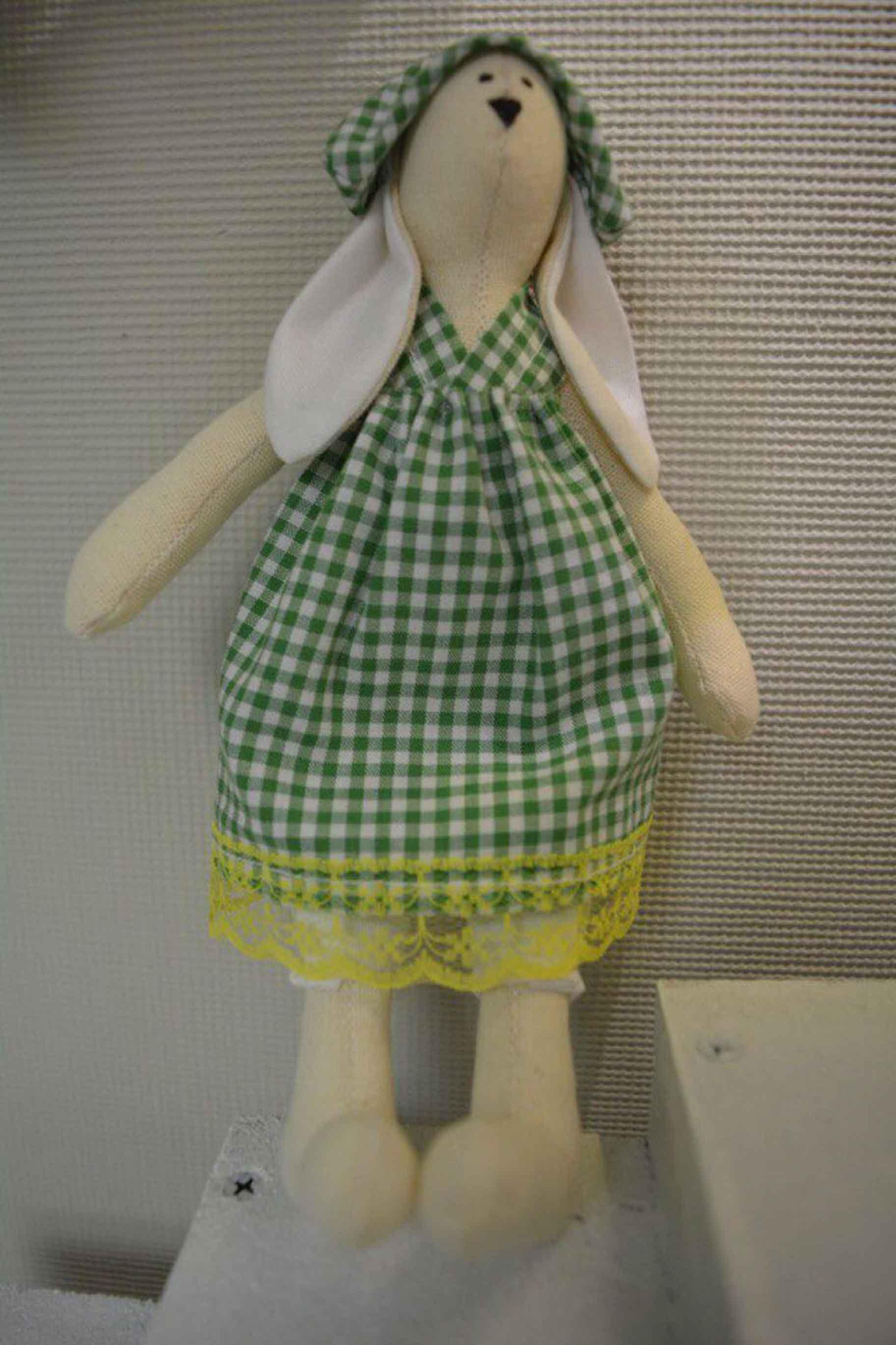 игрушка текстильная зайка в панамке фото 1