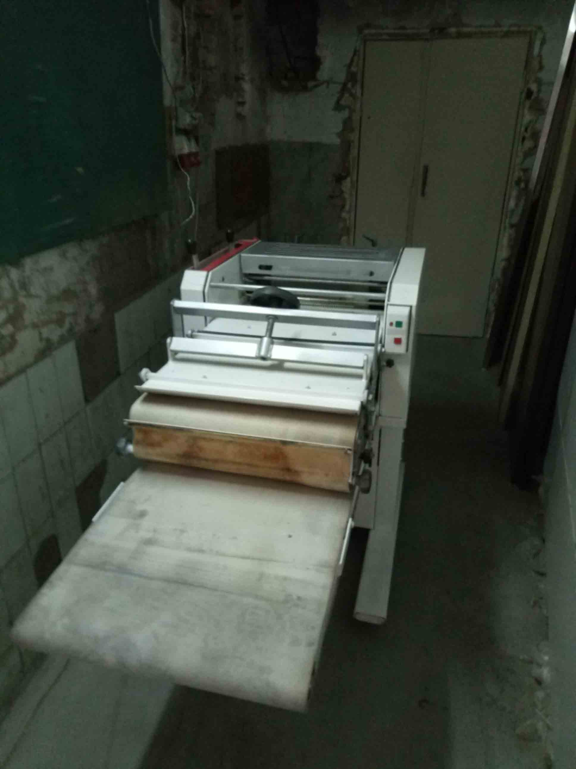 Тестозакаточная ( тестораскаточная) машина Salva бу фото 6