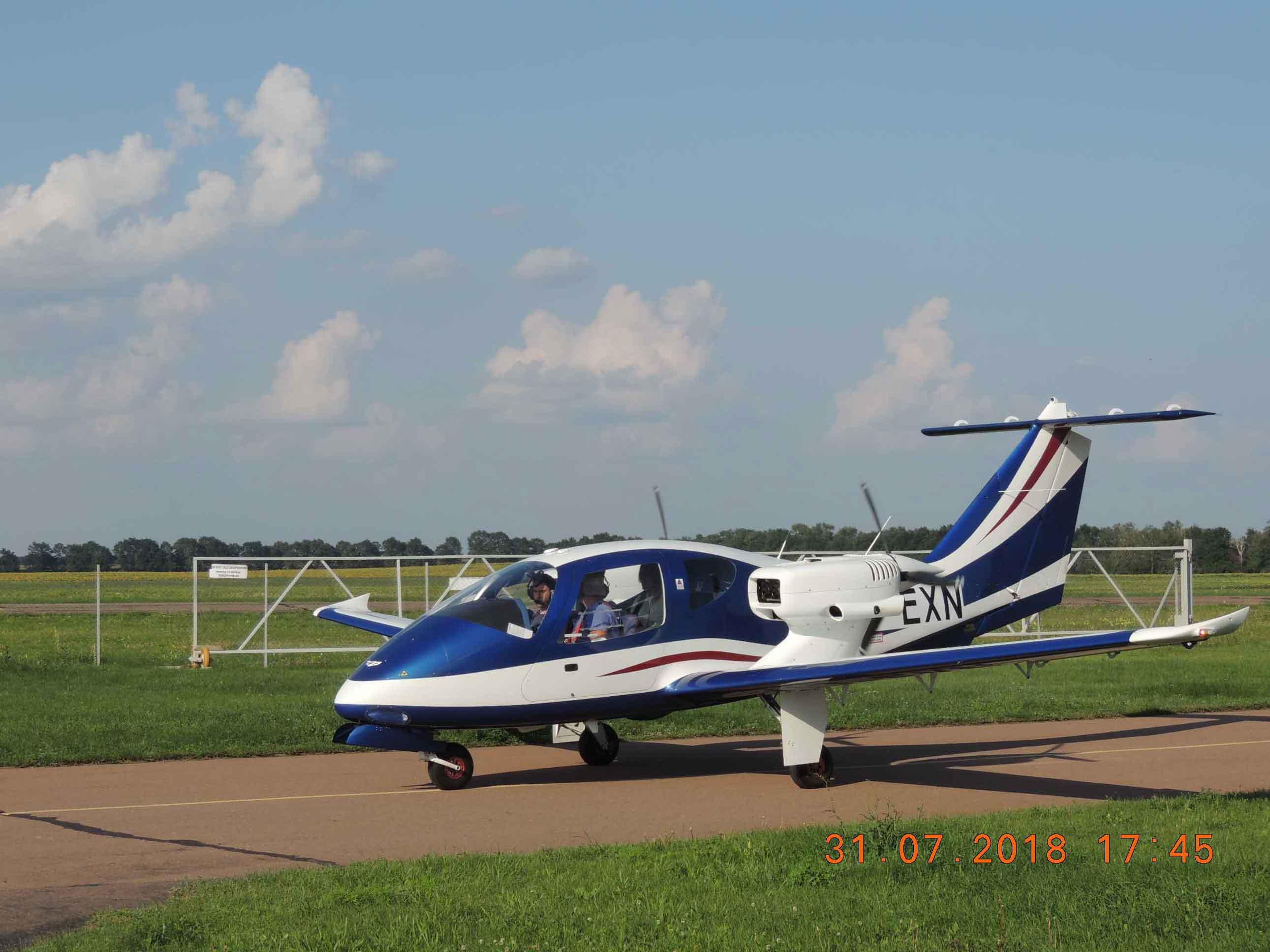 продаем четырехместный, двухмоторный самолет V-24-I фото 3