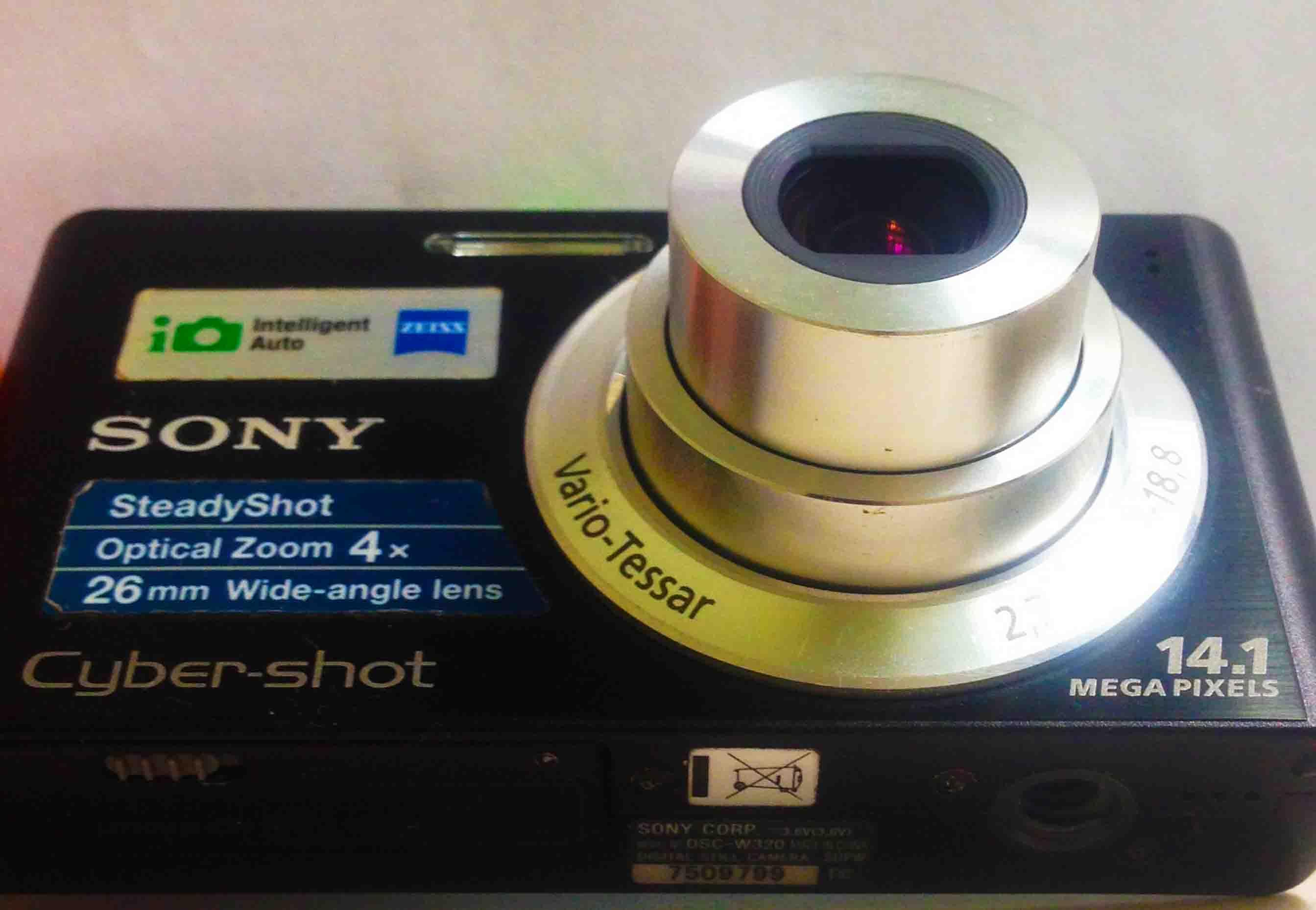 Цифровой фотоаппарат Sony  Cyber - Shot фото 2