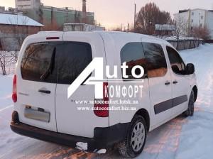Задний салон, правое окно на автомобиль Peugeot Partner, Citro?n Berli