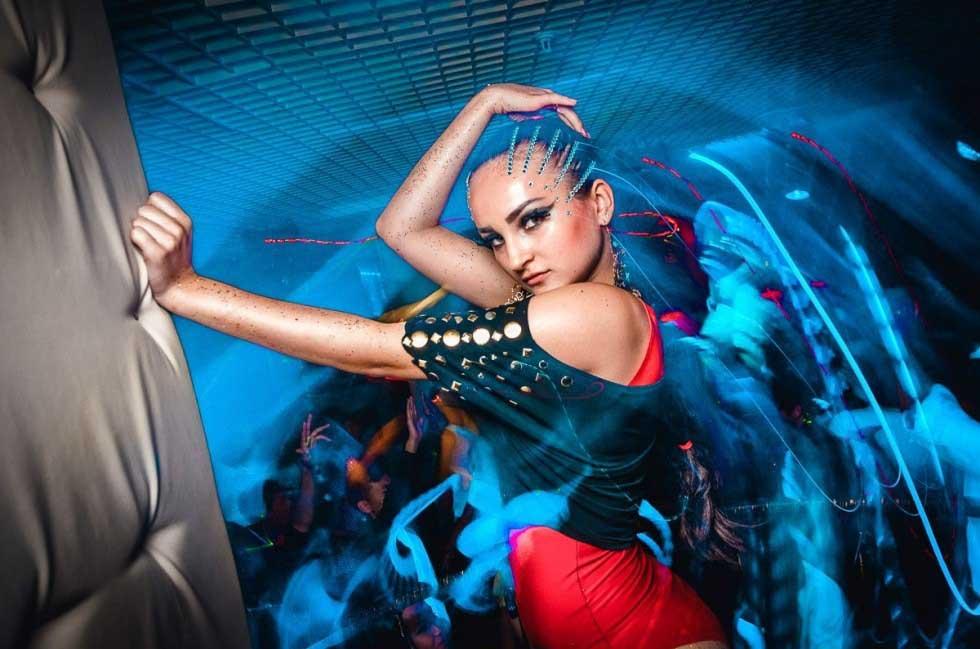 Танцовщицы, требуются девушки умеющие танцевать