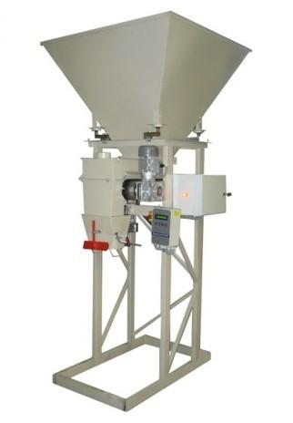 Дозатор с ленточным питателем для дозирования кусковых материалов